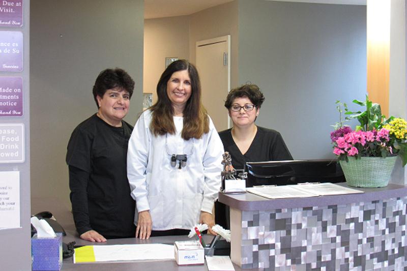 About Us - Smile Dental Works, Schaumburg Dentist